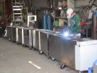 bồn rửa , xe,thùng chứa inox trong nhà máy