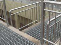 cầu thang , lan can inox kính cường lực 0962223089 thi công vinh hà tĩnh